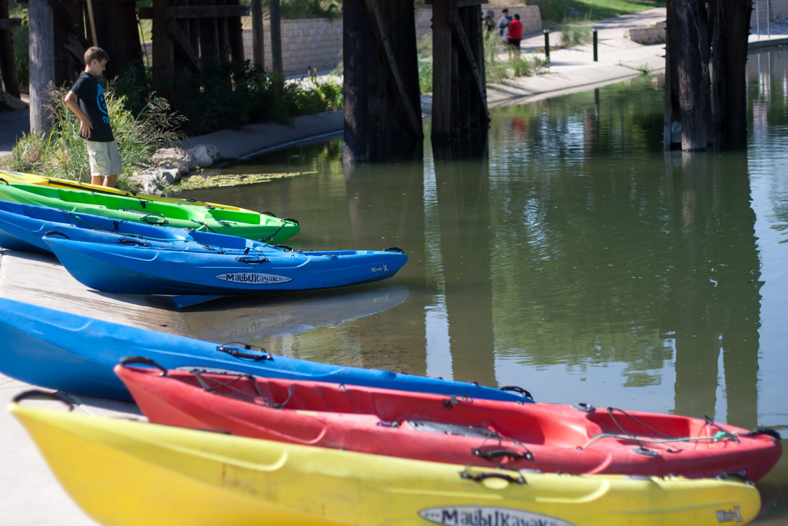 Kayaks at the take-out point for the Eagleland Reach section of the river. Photo by Garrett Heath.