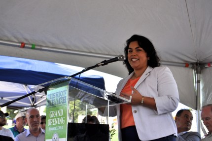 District 3 Councilwoman Rebecca Viagran addresses the crowd gathered for the Mission Reach opening ceremony. Photo by Iris Dimmick.