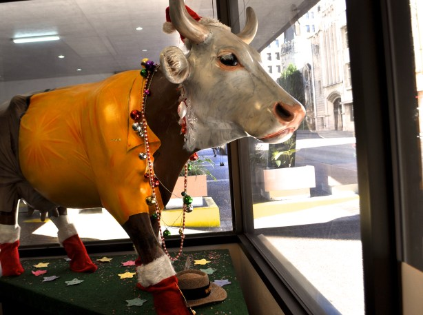The Bovine Amigo from the 2002 CowParade public art exhibition greets Centro San Antonio visitors and passerby on Travis Street. Photo by Iris Dimmick.