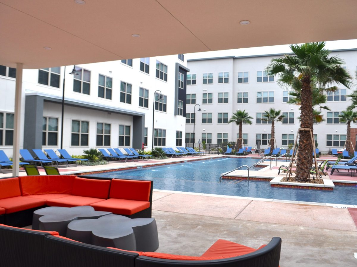 Pool and courtyard at Tobin Lofts. Photo by Iris Dimmick.