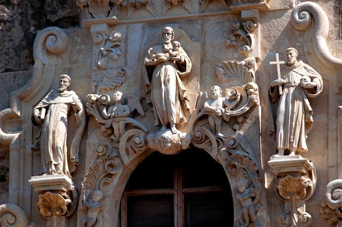 Mission San José facade before renovation. Photo courtesy of the San Antonio Conservation Society.