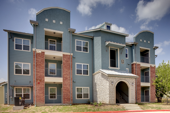 One of the new apartment buildings at the Park at Sutton Oaks. Photo courtesy of SAHA.