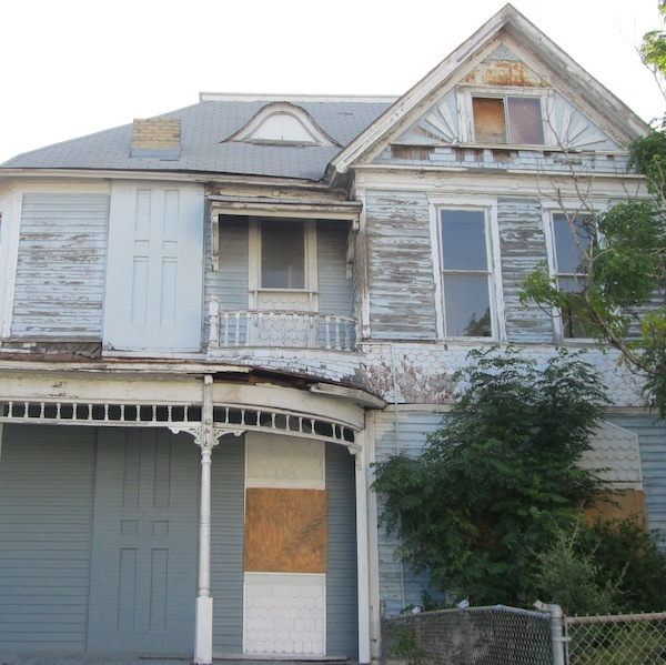 A vacant house in Government Hill, San Antonio. Photo by Grant Ellis.