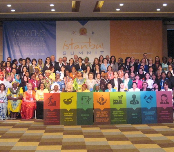 More than 300 people from 45 countries participated in the Istanbul Summit. Photo by Mehmet Oguz.