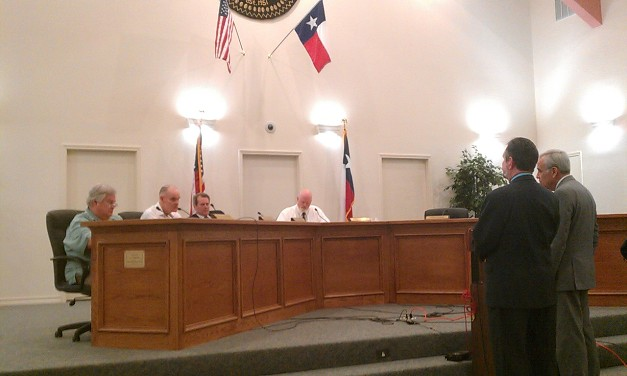 VIA representatives at Castle Hills City Hall speak to VIA bus service in the city. Photo by Andrew Moore.