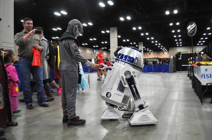 Attendees, vendors and celebrities at the 2014 Alamo City Comic Con. Photo by Iris Dimmick.