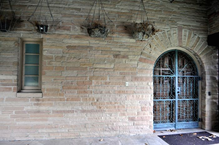 The Red Berry Mansion side entrance. Photo by Iris Dimmick.