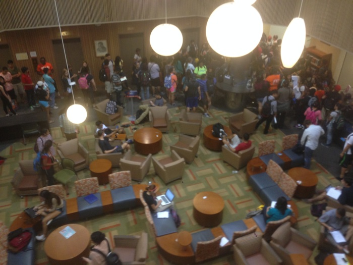 Students study in the laptop lounge located near the entrance of UTSA's library. Photo by Sarah Gibbens.