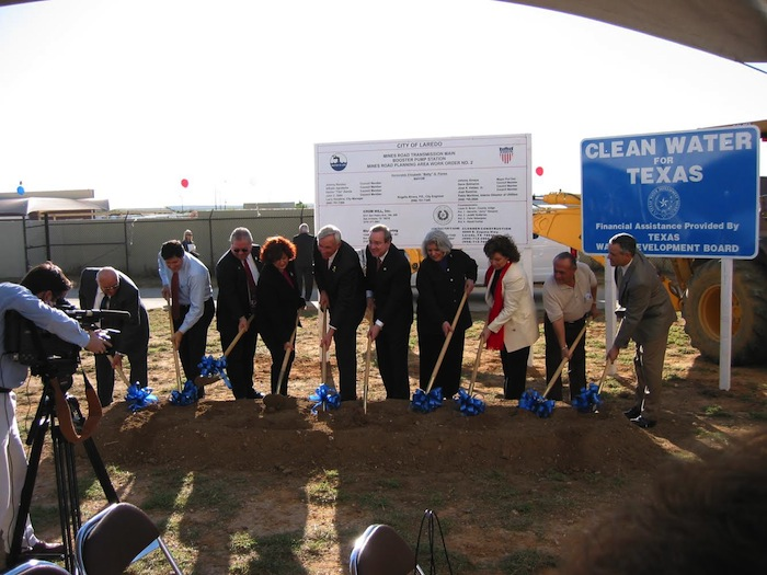 Groundbreaking for a water project in Laredo. Photo courtesy North American Development Bank.