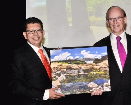San Antonio Chamber of Commerce CEO Richard Perez, left, poses for a photo with Bexar County Judge Nelson Wolff. Photo by Jon Alonzo.