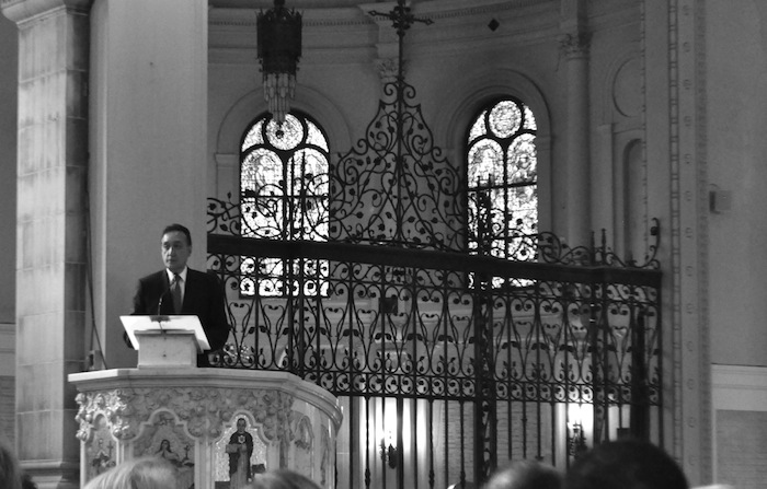 Henry Cisneros gives words of remembrance for his mother, Elvira Munguia Cisneros (1924 - 2014). Photo by Iris Dimmick.