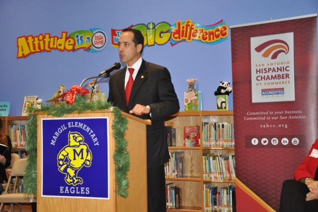 Rep. José Menéndez (D-Dist. 124) speaks at the San Antonio Hispanic Chamber of Commerce event at Margil Elementary School. Courtesy photo.