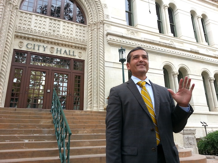 Mayoral candidate Mike Villarreal addresses media outside City Hall. Photo by Iris Dimmick.