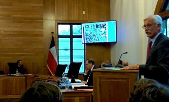 Glenn Huddleston explains his green space proposal to the Alamo Heights City Council and the audience on Monday. Photo by Edmond Ortiz