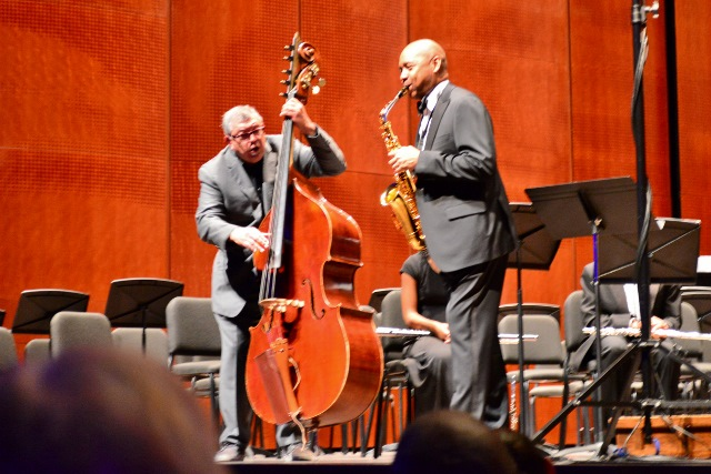 George Prado and Branford Marsalis jam for the encore. Photo by Page Graham.