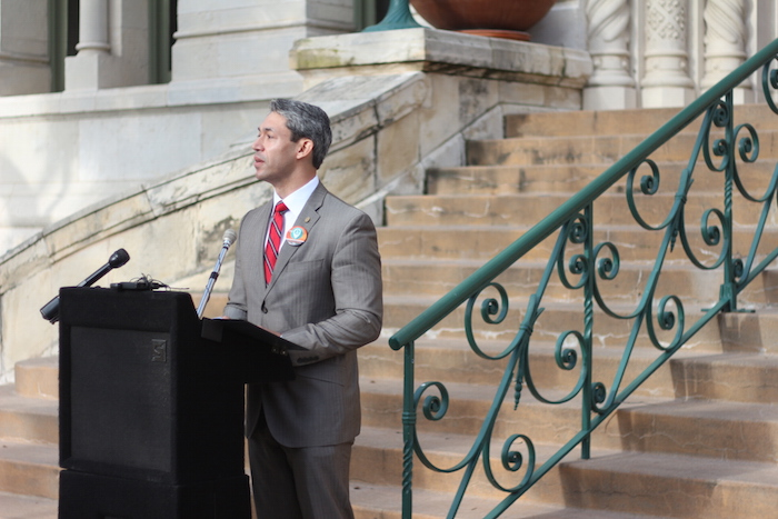 Councilmember Ron Nirenberg (D8) stood in front of City Hall on Wednesday to address the future of SA Tomorrow. Photo by Joan Vinson.