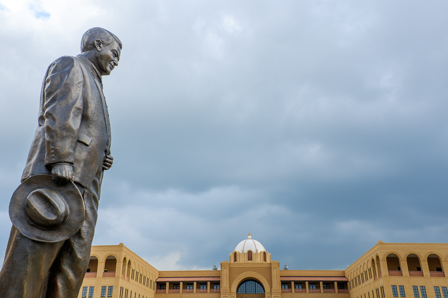 A statue of former Sen. Frank L. Malda overlooks the Texas A&M-San Antonio campus. Photo by Scott Ball.