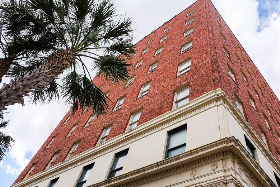The Maverick Building at 400 East Houston Street. Photo by Scott Ball.