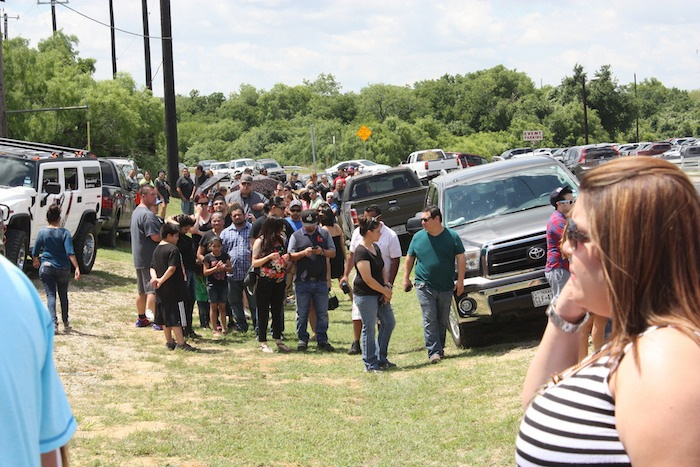 People waited in long lines to enter the 2015 Barbacoa & Big Red Festival. Photo by Kay Richter.