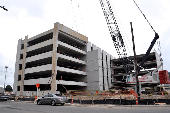 """Construction continues on the """"La Tuna Site Residential"""" parking garage and housing units on May 6, 2015. Photo by Iris Dimmick."""