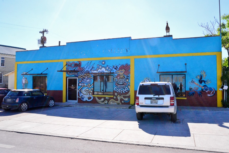 Freight art gallery, formerly Gallista Gallery, at 1913 S. Flores St. Photo by Page Graham.