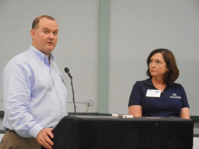Representatives of HDR Engineering (Jeff Mitchell) and San Antonio River Authority (Suzanne Scott) address questions from the audience. Photo by Don Mathis.