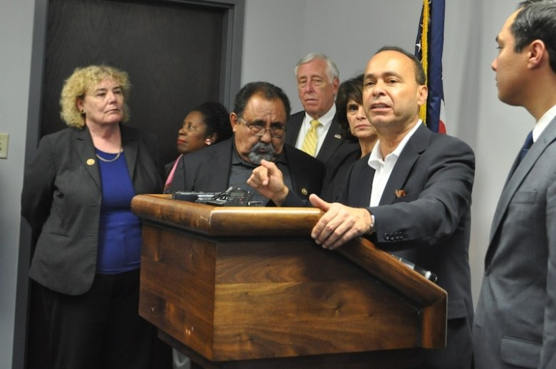 Rep. Luis Gutiérrez stresses the point that women and children in family detention centers are not criminals. Photo by Iris Dimmick.