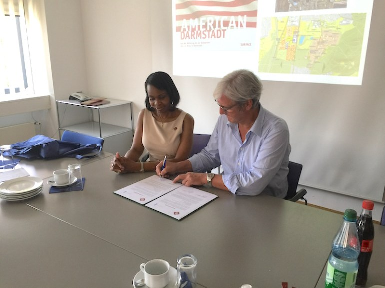 Darmstadt Lord Mayor Jochen Parsch and Mayor Taylor sign Letter of Intent 2