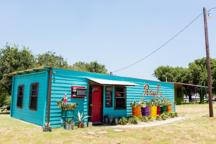 Raul's Enchilacos at 101 Creekwood Drive in Floresville Texas. Photo by Scott Ball.