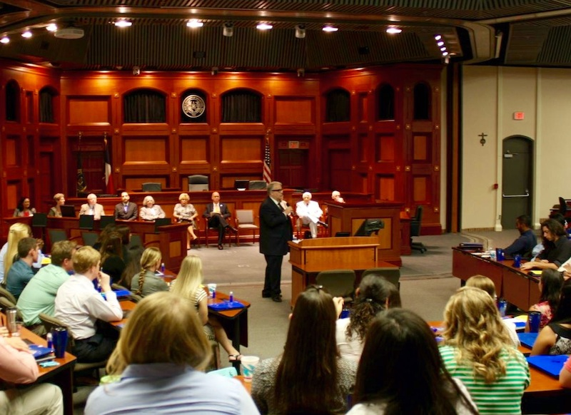 St. Mary's School of Law Dean Stephen Sheppard welcomes first-year law students. Photo by Lorna Griffin.