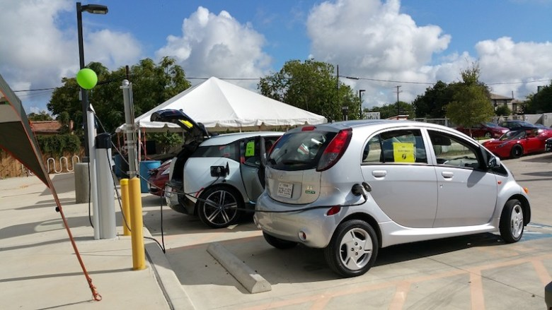"""Eco Centro hosted San Antonio Drive Electric Day 2015, part of National Drive Electric Week, this past weekend. This event is organized annually by Alamo City Electric Auto Association for the purpose of teaching the community about electric vehicles."""" Photo: Jillian Corley"""
