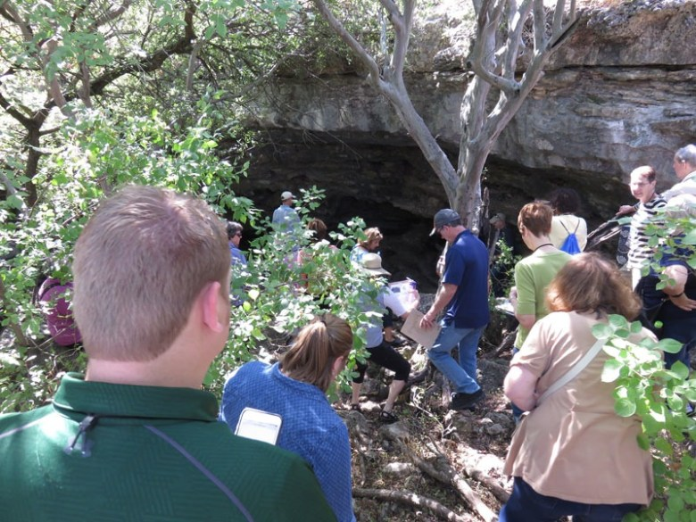Tour approaching Cub Cave. Photo by Warren Lieberman.