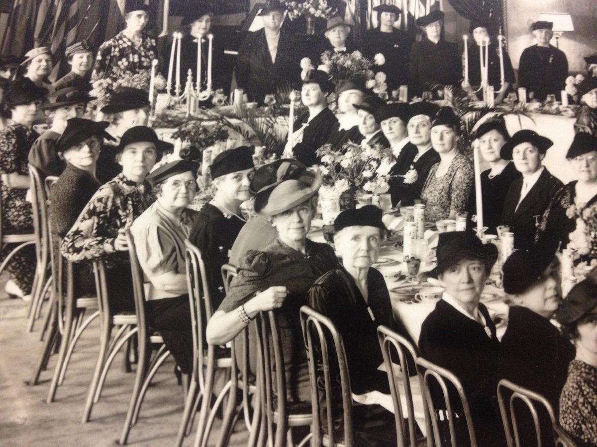 Women's Overseas Service League members celebrating the 20th Armistice Day breakfast at the Carlton Hotel, November, 1938. Historic image courtesy of UTSA.