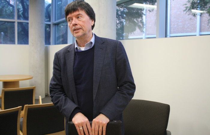 Ken Burns speaks to the media about his trajectory as a documentary filmmaker. Photo by Rocio Guenther.