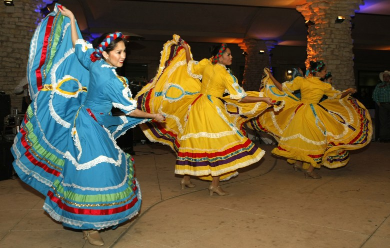 Fiesta Noche del Rio dancers perform at the 2015 Western & Heritage Art Show. Photo by Paul Casanova Garcia.