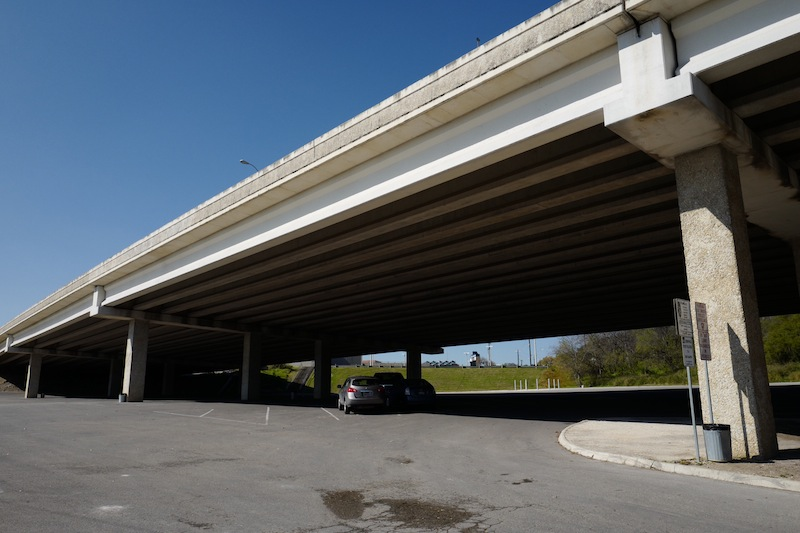 SAISD-owned parking lot under Highway 281. Photo by Scott Ball.