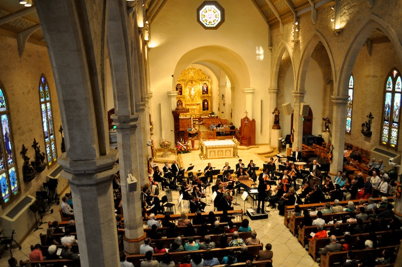 """Members of the San Antonio Symphony and their audience for """"Fiesta Baroque and San Fernando Cathedral"""" during Fiesta 2013. Photo by Iris Dimmick."""