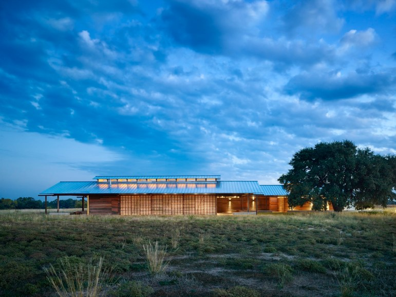 The Dixon Water Foundation Josey Pavilion. Photo by Casey Dunn courtesy of LAKE | FLATO ARCHITECTS.