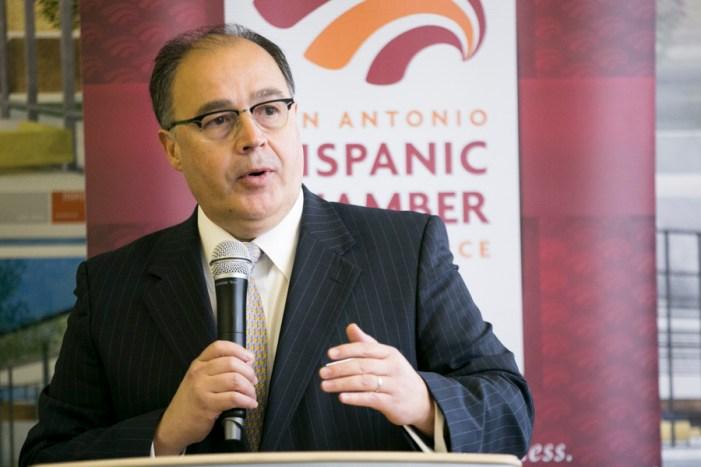 San Antonio Hispanic Chamber President & CEO Ramiro Cavazos announcesa new collaborative partnership with the Maestro Leadership Foundation. Photo by Kathryn Boyd-Batstone