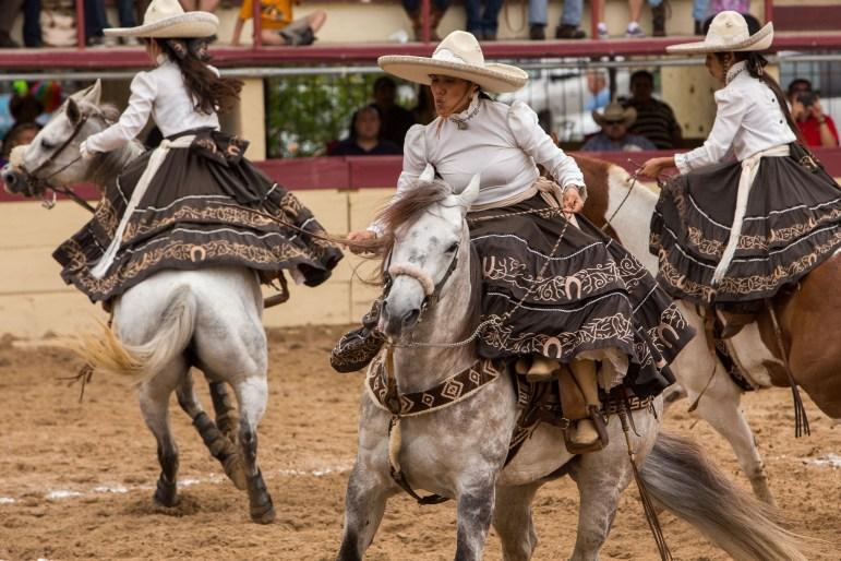 Escarmuzas Ogrullo Mexicano perform on the grounds. Photo by Scott Ball.