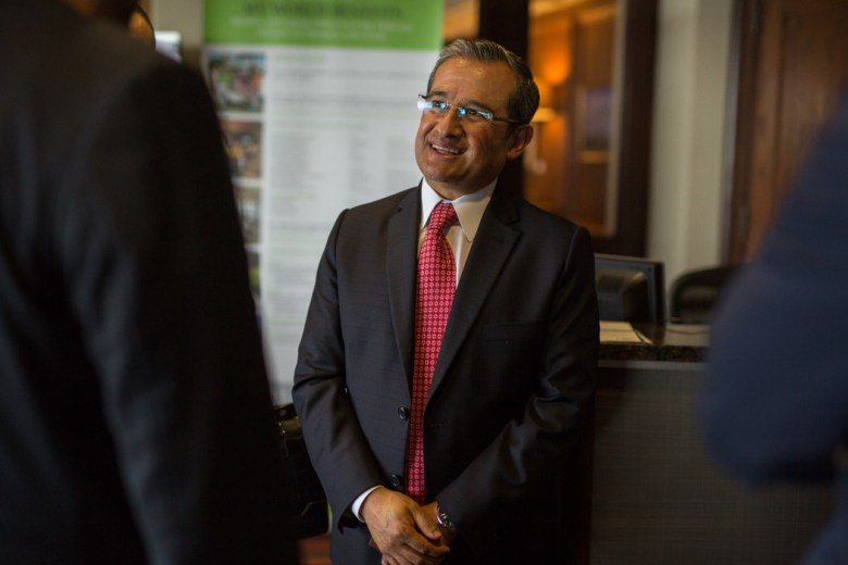 Héctor Eduardo Velasco Monroy fue recientemente nombrado para ser Cónsul General de México en San Antonio por el presidente de México, Enrique Peña Nieto. Foto de Scott Ball.