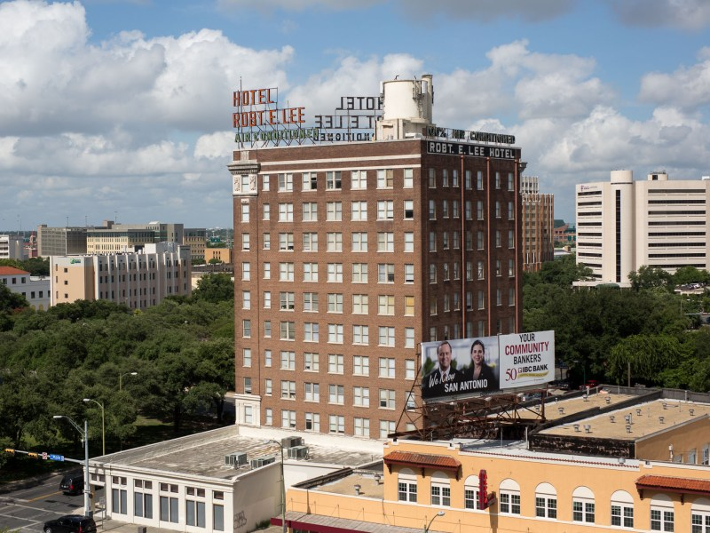 The Robert E. Lee Apartments at 111 West Travis Street in downtown San Antonio. Photo by Scott Ball.
