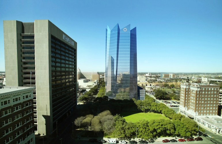 The new Frost Bank Tower features large, angled curtains of glass that stretch up 23 stories into the San Antonio skyline. Rendering by Pelli Clarke Pelli courtesy of Weston Urban.