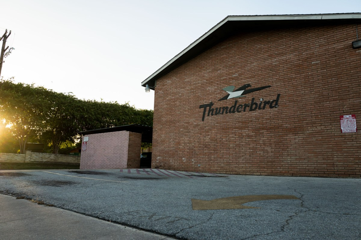 The Thunderbird Apartments at 211 West French Place in the Monte Vista neighborhood. Photo by Scott Ball.