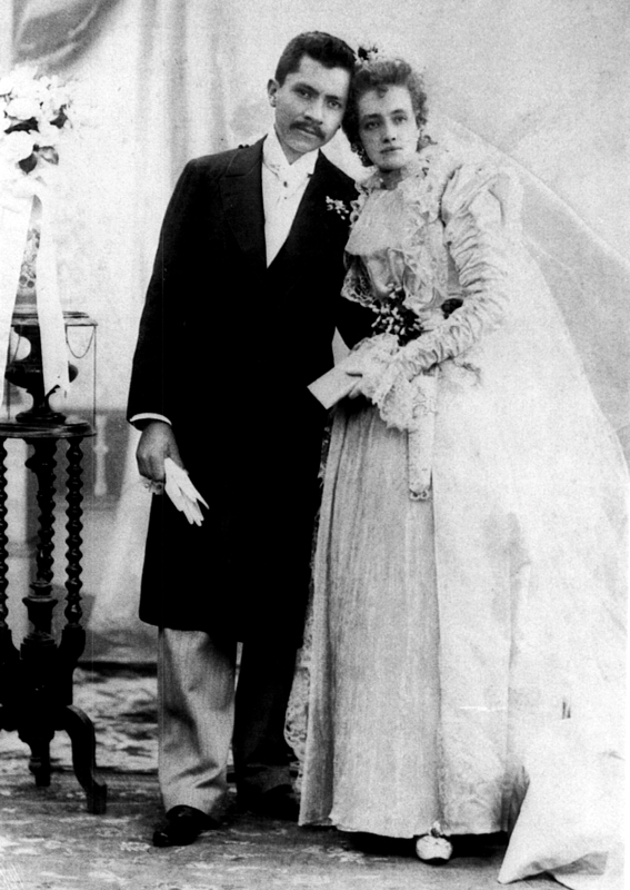 Urrutia married Luz Fernandez in 1896 at the age of 24. Photo courtesy of Urrutia Photo Collection.