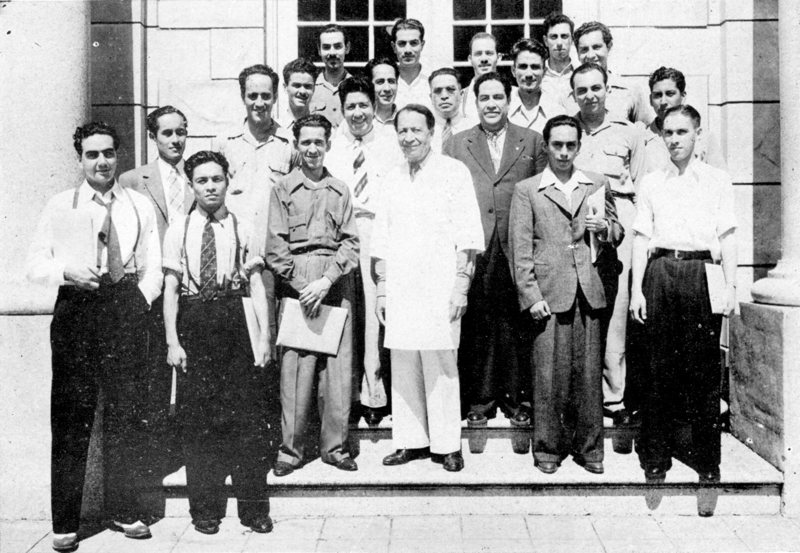 Doctor Urrutia, at center, with medical students from México City and Pueblo. Students often visited the clinic to view and learn about the particular surgeries the Doctor was doing in the Santa Rosa Hospital. Circa 1946. Photo courtesy of Urrutia Photo Collection.