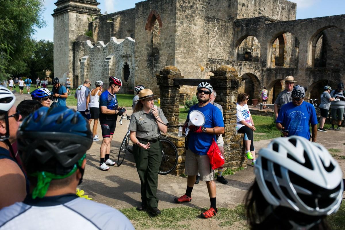 National Park Service guide Helen Johnson explains the history of Mission San José. Photo by Kathryn Boyd-Batstone.