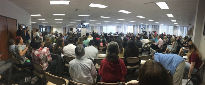 It was standing room only during the public hearing. Photo by Leo Treviño.