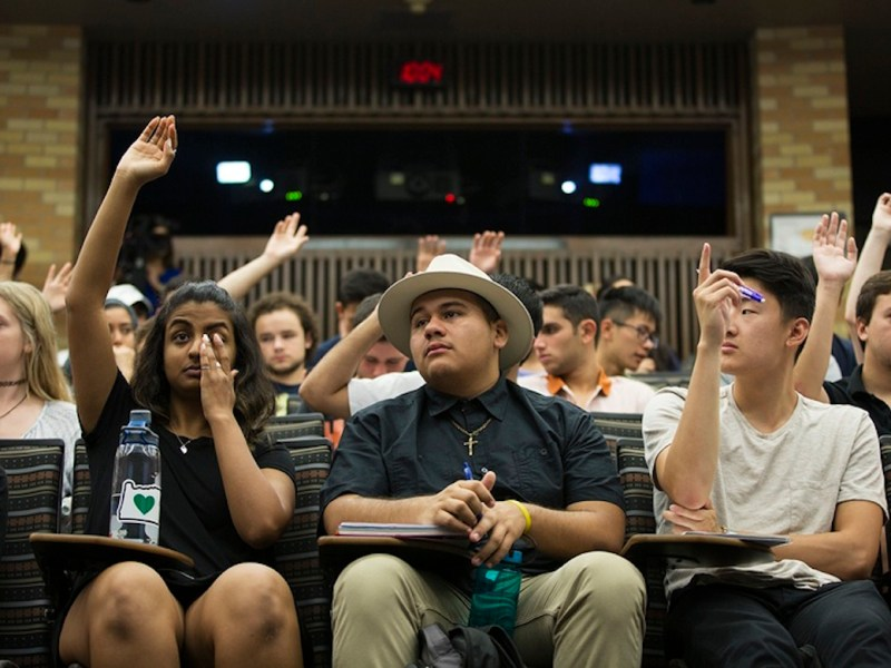 Students listen to Secretary Cascos during a UT undergraduate course about what they need to know to vote in November. Photo by Qiling Wang for The Texas Tribune.
