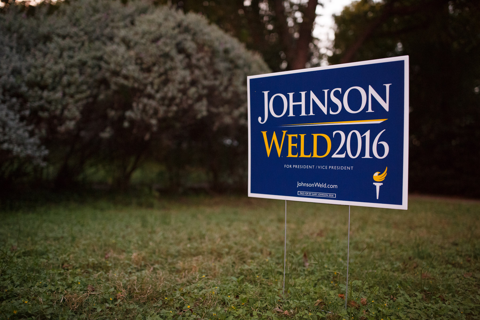 A sign in support of Libertarian Presidential candidate Gary Johnson and his running mate Bill Weld in a front yard in Alamo Heights.